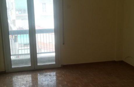 אורבניקוס | לוח נדלן ביוון | דירות באתונה | סטאטמוס לאריסיס 52 מטר